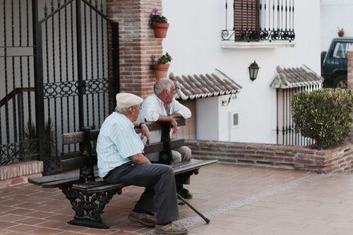 to ældre mænd